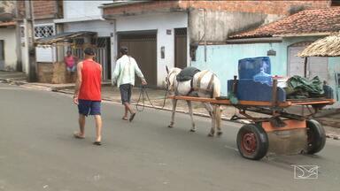 Bairros de São Luís continuam sem água, mesmo após CAEMA anunciar conserto no Italuís - Moradores de 80 bairros estão sofrendo as consequências de não ter água em casa.