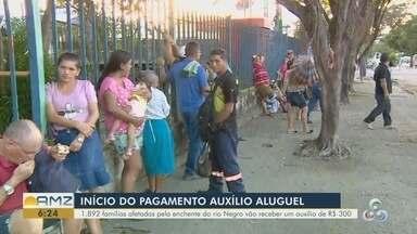 Famílias afetadas pela cheia em Manaus começam a receber auxílio aluguel - Quase 2 mil pessoas devem receber auxílio.