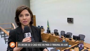 Carolina Bahia acompanha julgamento do caso Kiss em Brasília - Expectativa é que a decisão saia ainda nesta terça-fera (18).