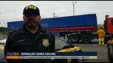 Veículos pesados são vistoriados em operação na BR-376, em Ponta Grossa - Ação foi da PRF e da concessionária que administra o trecho da rodovia.