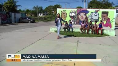 Moradores decidem consertar praça em Cabo Frio, no RJ - Veja a seguir