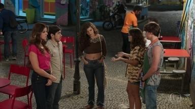 Carla culpa Tadeu pelo resultado da audiência - Raíssa e Thiago não conseguem entender por que a juíza não deu permissão para que Rita visite a filha