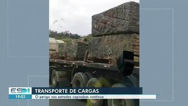 Carreta é flagrada fazendo transporte irregular de rochas, no ES - Vários acidentes já foram registrados envolvendo transporte de rochas.