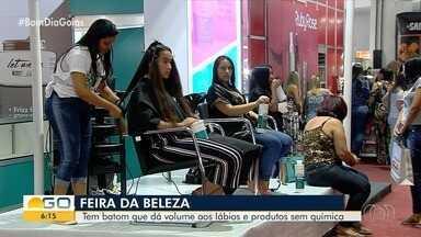 Feira apresenta últimas novidades do setor de beleza, em Goiânia - Tem até alisador de cabelo sem formol.