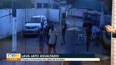 Clientes e funcionários são reféns de bandidos em lava jato - Saiba mais em g1.com.br/ce