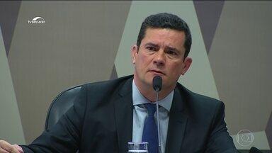 Moro fala por nove horas no Senado sobre mensagens divulgadas por site - Ministro da Justiça respondeu a perguntas sobre mensagens atribuídas a ele e a procuradores da Lava Jato.