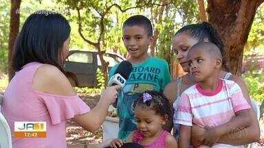 Menino de quatro anos junta latinhas para fazer festa de aniversário - Menino de quatro anos junta latinhas para fazer festa de aniversário
