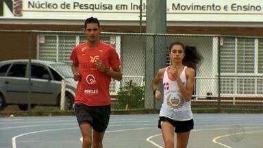 Dupla de corredores de Juiz de Fora se prepara para maratonas no Rio de Janeiro - Amanda Oliveira, que disputa meia maratona, e Eberth Silvério, que correrá maratona, unem forças e treinam juntos. Ambos têm histórico de muitas vitórias no Ranking de Corridas Rústicas de Juiz de Fora.