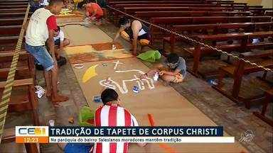 Católicos mantêm tradição e fazem tapete de Corpus Christi em Juazeiro do Norte - Confira mais notícias em g1.globo.com/ce