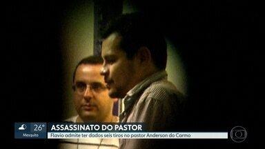 Flavio dos Santos admite ter dado seis tiros no pastor Anderson do Carmo - O filho de Flordelis disse à polícia que atirou no próprio padastro. Ele ainda contou que teve ajuda de um dos irmão para comprar a pistola do crime, Lucas dos Santos.