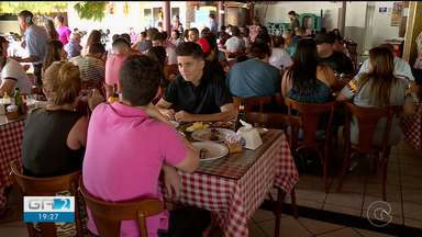 Restaurantes e Hotéis comemoram movimento durante São João de Petrolina - Os estabelecimentos estão com fila de espera