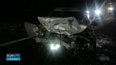 Sete pessoas ficam feridas depois de acidente na BR-277, em Irati - A batida foi entre um carro, uma caminhonete e dois caminhões.