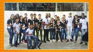 Projeto social de Pernambuco oferece atividades culturais para crianças e adolescentes - Mylena Emanuelle gravou um vídeo de seu trabalho, localizado na cidade de Vitória de Santo Antão, para o quadro Nós.Doc.