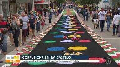 Festa da Corpus Christi reúne milhares de turistas em Castelo, ES - Cidade é famosa pela tradição nesta época do ano.