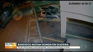 Bandidos matam mecânico de caminhões em tentativa de assalto em Diadema - Pai da vítima pegou uma espingarda, mas criminoso tomou a arma.