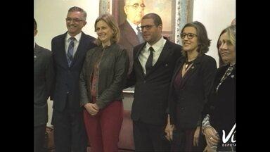 UFPel recebe homenagem na câmara em comemoração aos 50 anos da instituição - Assista ao vídeo.