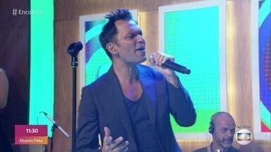 Double You canta 'Please, Don´t Go' - Música está na trilha sonora da novela 'Verão 90'