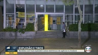 Bandidos com fuzis explodem caixas eletrônicos de agência bancária no Andaraí - O crime aconteceu na madrugada desta terça-feira (25).