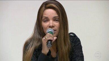 Flordelis diz que não existem provas de envolvimento de filhos no crime - Deputada federal do PSD do Rio convocou entrevista coletiva para falar sobre o assassinato de seu marido. Dois filhos são suspeitos e estão presos temporariamente.
