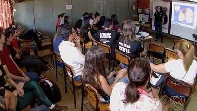 Polícia realiza atividades para comemorar a 1ª Semana Estadual de Prevenção à Drogas - Evento realizado pela Denarc vai até domingo.