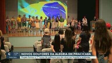 Projeto formou palhaços voluntários para atuar em hospital e entidades de Piracicaba - Os palhaços do projeto 'Soul Alegria' depois de meses de curso se formaram neste sábado (29).