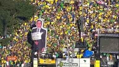 Brasileiros protestam em defesa de Sérgio Moro, Lava Jato e reforma da Previdência - As manifestações foram realizadas neste domingo (30) por todo o Brasil em defesa do Ministro da Justiça Sérgio Moro, da Lava Jato, do Pacote Anti-Crime e da Reforma da Previdência. Segundo levantamento do G1, as manifestações ocorreram em 88 cidades.