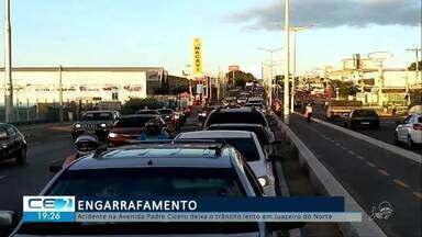 Acidente na avenida Padre Cícero deixa o trânsito lento - Confira mais notícias em g1.globo.com/ce