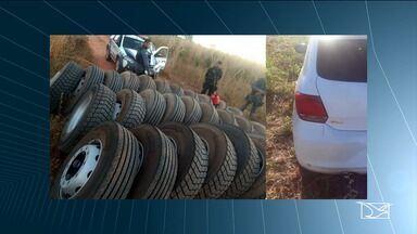 Caminhoneiros reclamam da falta de seguranças nas estradas do Maranhão - Na madrugada desta terça-feira (2) no município de Riachão, ladrões roubaram uma carreta para retirar os pneus dela.