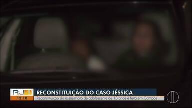Reconstituição do assassinato de adolescente de 13 anos é feita em Campos - Crime aconteceu no distrito de Travessão.