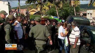 Enterrado o corpo do policial militar André Silva - O sepultamento foi realizado nesta terça (02) em Santa Maria do Cambucá.