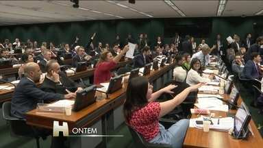Comissão Especial aprova texto base da Reforma da Previdência - Projeto agora vai para votação no plenário da Câmara dos Deputados na próxima semana.