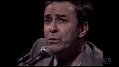 Morre, aos 88 anos, no Rio, o cantor e compositor João Gilberto - Morreu, neste sábado (6), no Rio de Janeiro, João Gilberto, um dos maiores nomes da música popular brasileira. O artista tinha 88 anos e morreu em casa. Ainda não há informações sobre a causa da morte. Veja a cobertura completa no Jornal Nacional, às 20h30.