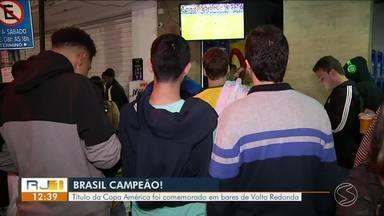 Brasil Campeão: título da Copa América foi comemorado em bares de Volta Redonda - Comerciantes vibraram com movimento de clientes.