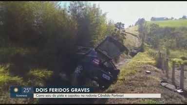 Dois ficam feridos em capotagem na Rodovia Cândido Portinari em Franca, SP - Polícia Rodoviária diz que motorista perdeu o controle da direção e saiu da pista.