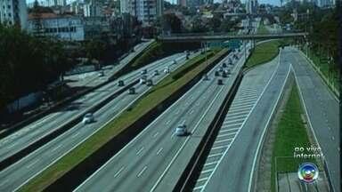 Confira como fica o movimento em rodovias na volta para casa - Muitas pessoas estão retornando para casa após o feriado prolongado.