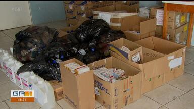 Remédios e outros materiais são jogados no lixo por estarem vencidos em Camaragibe - O valor do descaso descoberto no município é de um milhão de reais.