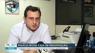 Polícia fecha casa de prostituição em Resende - Estabelecimento funcionava na Avenida Tenente-Coronel Adalberto Mendes, no bairro Manejo.