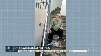 Cadeirante de 62 anos é obrigado a rastejar para ser atendido em agência do INSS - O professor Jorge Crim, de 62 anos, precisou se arrastar pelas escadas para conseguir fazer a perícia no segundo andar de uma agência do INSS que está com elevador quebrado.