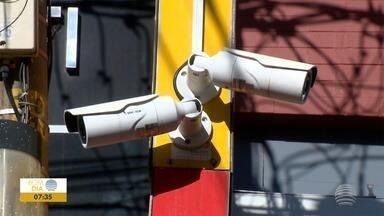 Câmeras de monitoramento começam, de fato, a funcionar em Prudente - Tecnologia deve auxiliar, principalmente, na segurança do trânsito.