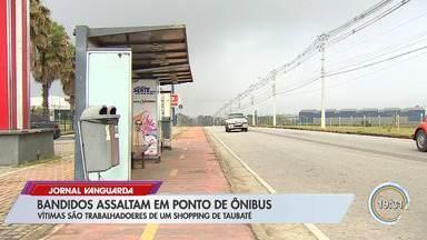 Criminosos agem em ponto de ônibus perto de shopping em Taubaté - Passageiros reclamam de insegurança no local.