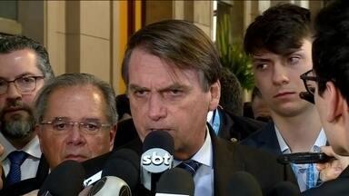 Bolsonaro confirma que governo vai liberar saques do FGTS - Presidente confirmou na Argentina intenção do governo de autorizar saques de contas ativas do FGTS e do PIS-Pasep. Segundo ele, intenção é dar 'uma pequena injeção na economia'.