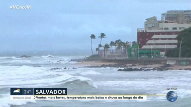 Previsão do tempo: frente fria traz chuva para Salvador e outras cidades baianas - Veja também as fotos do quadro Amanhecer e a tábua de marés.