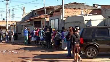 Moradores do Distrito de Jundiapeba recebem notificações para deixarem as casas - A prefeitura de Mogi informou que as notificações da Justiça são para as famílias que não quiseram mudar para os apartamentos do Governo, em 2018, devido a desocupação das margens do Rio Jundiaí.