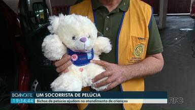 Bichos de pelúcia ajudam o Siate no atendimento de crianças - Os ursinhos são fabricados pelo Rotary Clube com ajuda da Receita Federal.