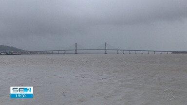 Previsão é de tempo nublado e com chuva no final de semana em Sergipe - Situação preocupa moradores de regiões que alagaram na última semana.