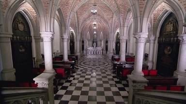 Cripta da Catedral da Sé completa 100 anos - A cripta está localizada na parte subterrânea da Catedral da Sé. Ficou pronta há 100 anos, muito antes da catedral ser inaugurada, em 1954. Para celebrar o centenário do lugar, uma série de concertos musicais estão sendo realizados dentro da cripta.