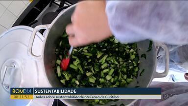 Quem busca produtos na Ceasa teve a oportunidade de participar de aula de sustentabilidade - Ele aprenderam como aproveitar integralmente os alimentos que antes iam parar no lixo.