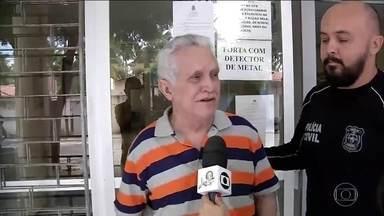 Médico acusado de estupros vai ficar preso em Fortaleza - José Hilson de Paiva, prefeito afastado de Uruburetama (CE), passou por audiência de custódia. O pedido de prisão domiciliar da defesa foi negado.