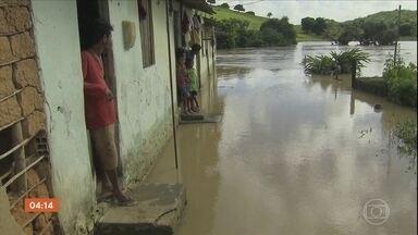 Mais de duas mil pessoas ficam desalojadas após chuva em Barreiros (PE) - De acordo com a Agência Pernambucana de Águas e Climas (Apac), em um dia choveu o esperado para duas semanas.