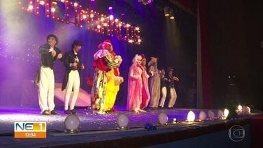 Musical 'Os Saltimbancos', com o Palhaço Chocolate, é encenado no Recife - Espetáculo apresenta a história de quatro animais que se sentem explorados pelo dono e vão em busca de liberdade.